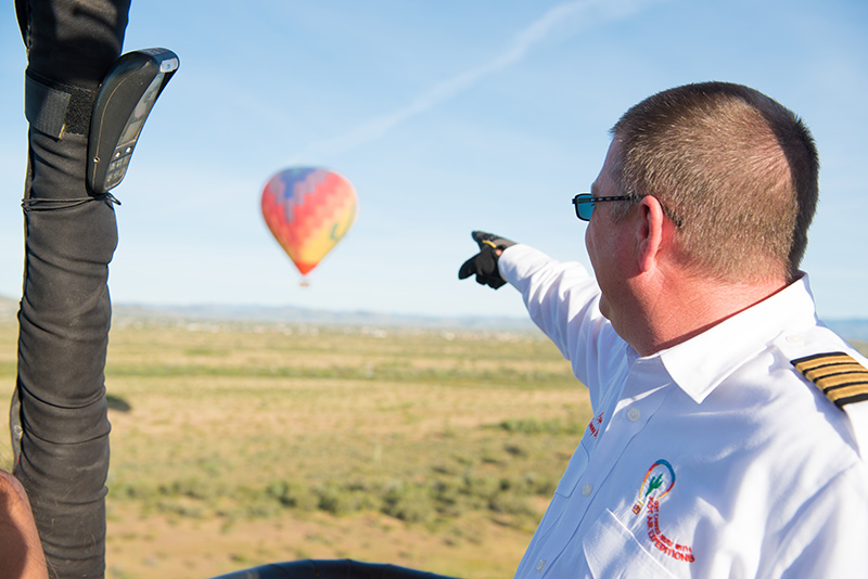 Hot Air Balloon Rides Phoenix - Captain Sharing with Tour Group